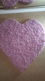 Lovely rug, heart shape