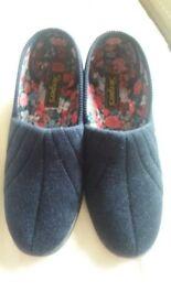 Brand New womens slippers