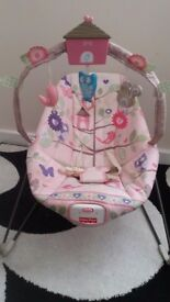 Beautuiful Fisher price bouncy chair