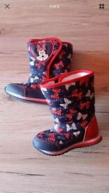 BRAND NEW!! Minnie Mouse boots size 5