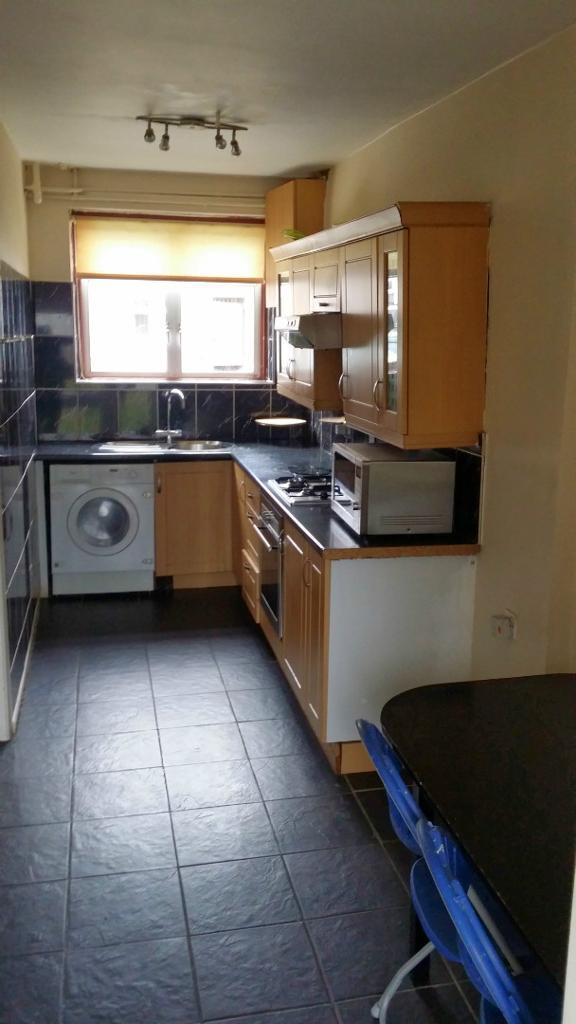 03 Bed House in Dagenham To Rent in RM8