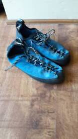 Climbing / bouldering shoes size 5.5