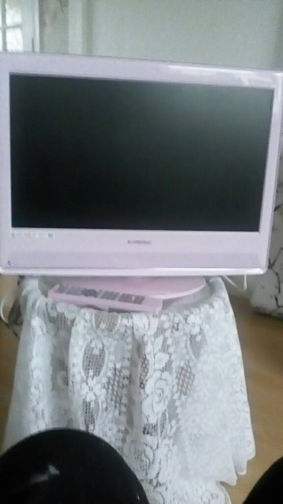 21 inch pink TV