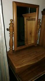 Dressing table mirror box stand