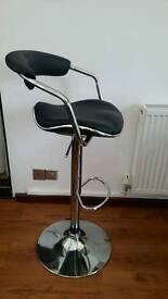 Bar stool like new