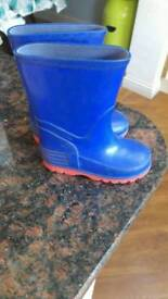 Size 5 toddler blue wellies