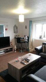 Large refurbished 2 bed flat only £120 weekly
