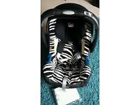 Britax SHR II Baby Safe Car Seat & Isofix Base