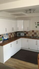 Double bedroom available to rent in a large 4 bedroom house in Frenchay. Rent includes all bills