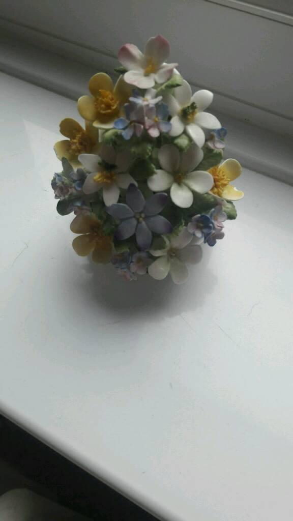 Royal doulton flowersin Blythe Bridge, StaffordshireGumtree - Royal doulton flowers