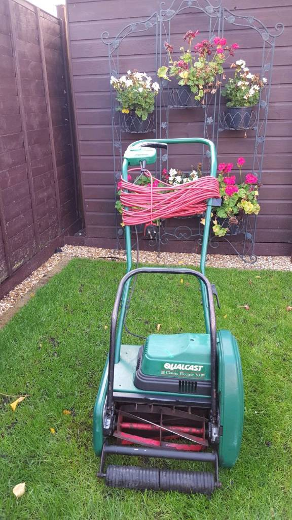 Qualcast classic electric 30 cylinder lawnmower and scarifier