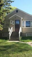 Room for rent in Whyte ave house (utilities included)