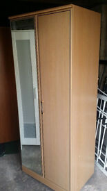 Wardrobe with mirror. Delivery.