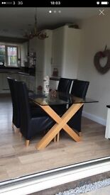 SOLID WOOD OAK DINING TABLE WITH GLASS TOP