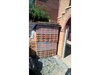 Bricks - Weinerberger_Harvest Yellow Multi. NEW (unopened) pallets. Qty 1000 (500-pk x 2).