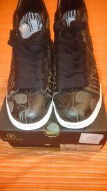 New Black Graffiti Converse Boots Size UK 7, Euro 41 with box.