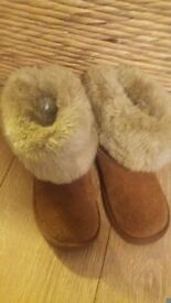 Next girls fur boots sz 2.