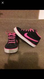 Girls nike trainers size 10