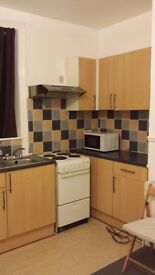 £55pw rent +£10pw Bills - PRVATE STUDI) - private kitchen Private shower room BIRKBY