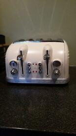 Delonghi Vintage 4 slice Toaster