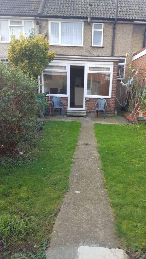 Lovely 2 bedroom house based in Dagenham | in Redbridge ...