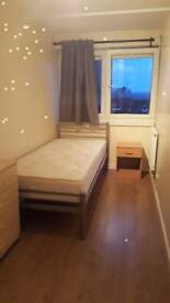 Cosy bedroom in safe area ! REFURBISHED FLAT !