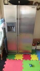 Samsung Fridge Freezer with water dispenser