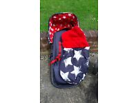 Cosatto travel system with Isofix for 0 car seat. Good condition, includes rain covers.