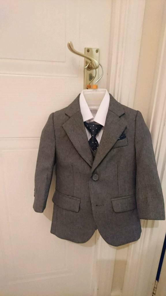 Boys suit Paisley of London size 12-18 months