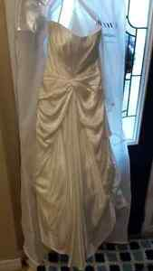 Strapless wedding dress and veil size 12