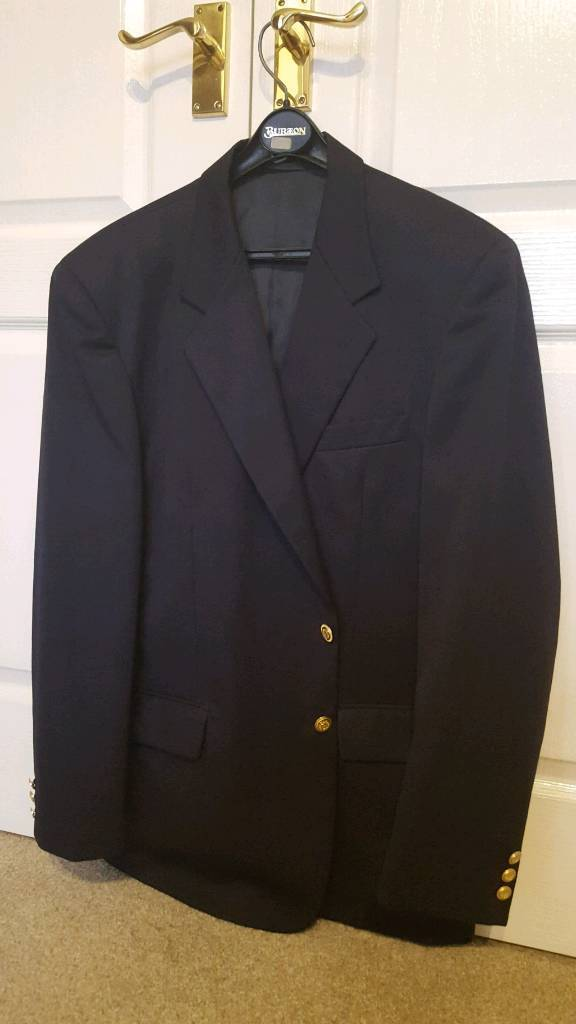 Smart men's navy blazer
