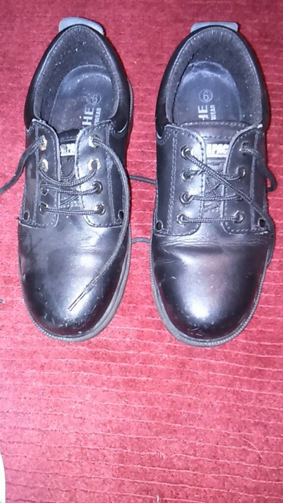 Work shoes size 6