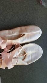 Girls Katz pink satin ballet shoes with ribbon size 2