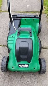 Almost new Qualcost Lawnmower 1000 watts only used 2_3 times worth 120 only for 45