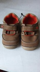 Mothercare crawling shoes BNWT