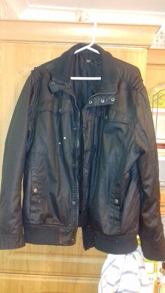 Men's Casual Black Jacket. Large.