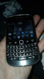 Blackberry 9900 on Vodafone
