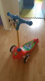 MICKEY MOUSE CLUBHOUSE LIGHT AND SOUND SCOOTER