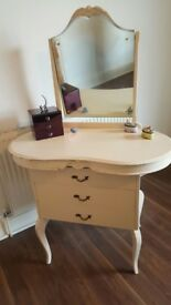 Dressing table with mirror (Vintage Shabby Chic)