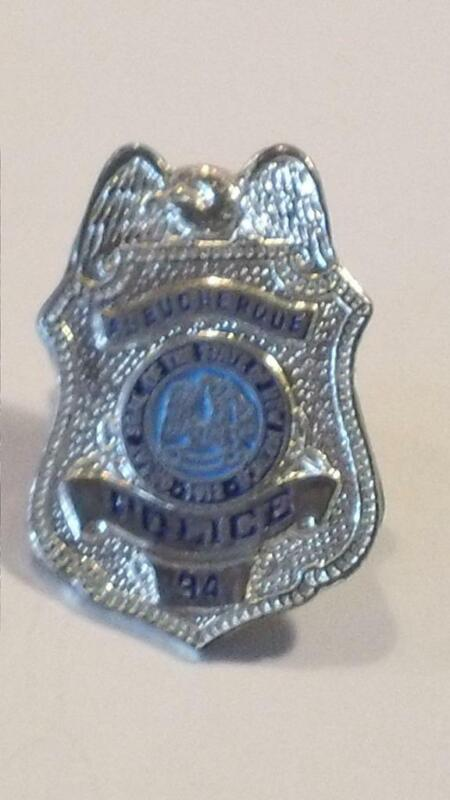 Vintage Albuquerque NM Police Department Mini Badge #94 Lapel Pin