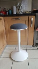 Bar stool / Standing chair, Height adjustable