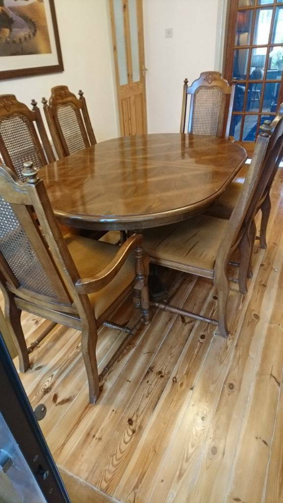 Antique style dinning table and 6 chairs
