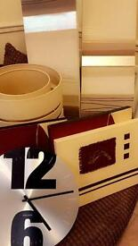 Bundle - lampshades, clock, canvases
