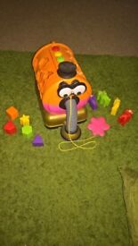 large noo noo pull along toy from teletybbies