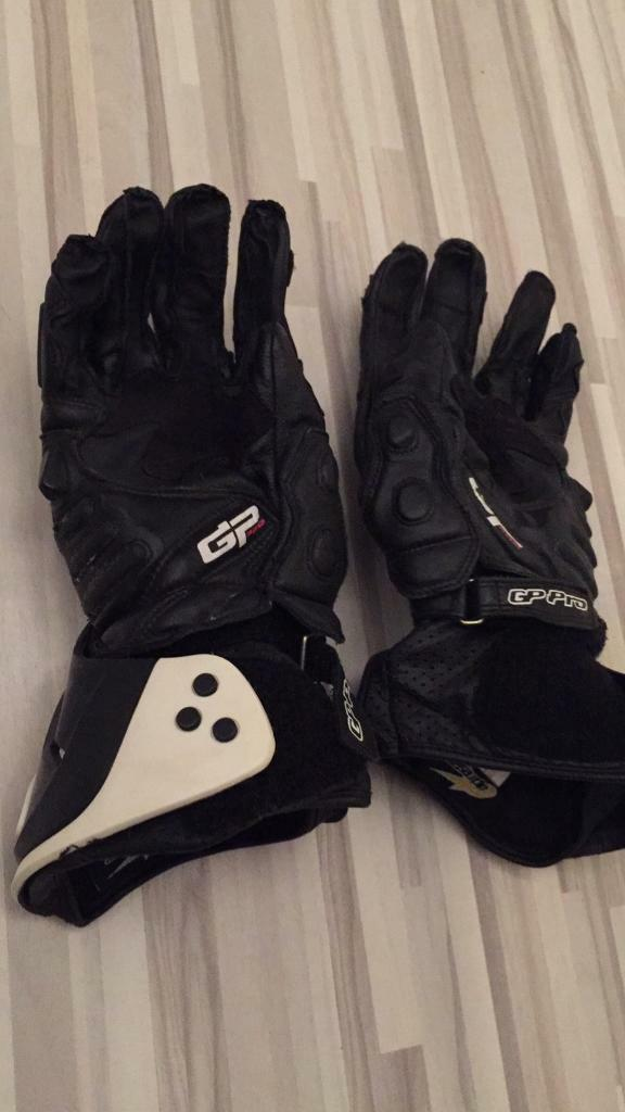 2 X pairs of alpine stars motorcycle gloves