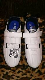New leather Lonsdale trainer's