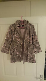M&S Autograph Girls Coat 5-6 Years - Perfect condition - Pink Roses on Grey - Pink Lining