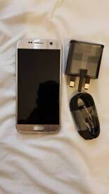 Samsung Galaxy S7 SM-G930F GOLD UNLOCKED MOBILE PHONE
