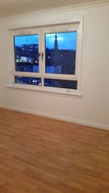 1 bedroom flat to let, Greenock town Centre immediate entry