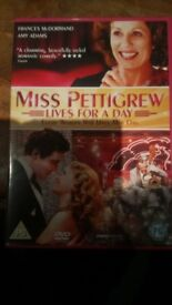 Dvd Miss Pettigrew lives for a Day starring Frances McDormand and Amy Adams